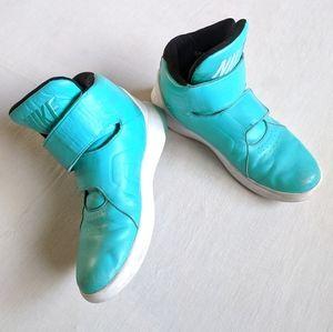 Nike Marxman SAMPLE Velcro Hightop Sneakers 9